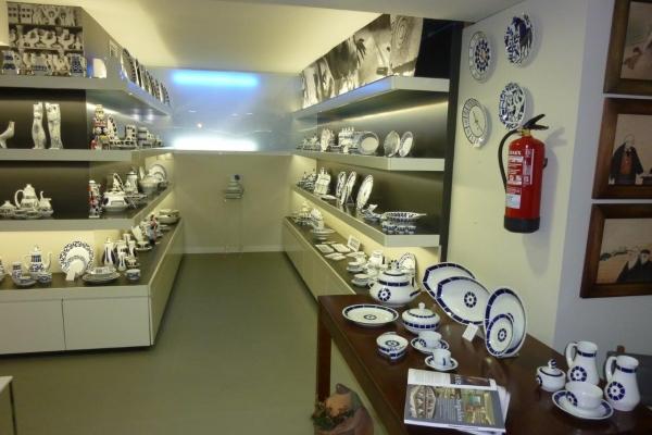 arquitectura-luvai-local-comercial-tienda-ceramica-p1210382B8304026-6E69-0D72-33D6-07F70CA731C0.jpg
